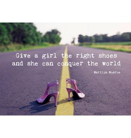 Zintenz Give a girl the right shoes briefkaart