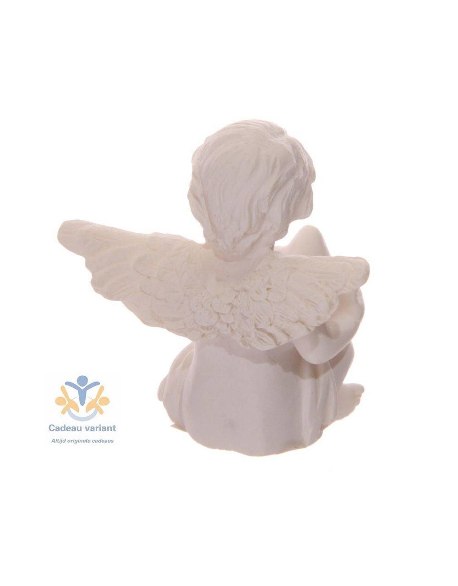 Engel klein met ster in handen