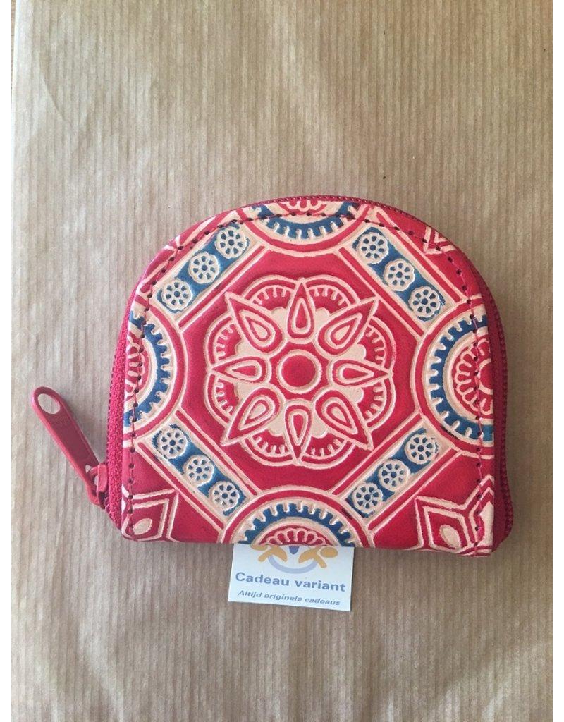 Rood gekleurde portemonnee leer