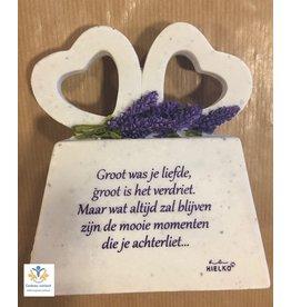Gedenksteen met dubbel hart gedicht