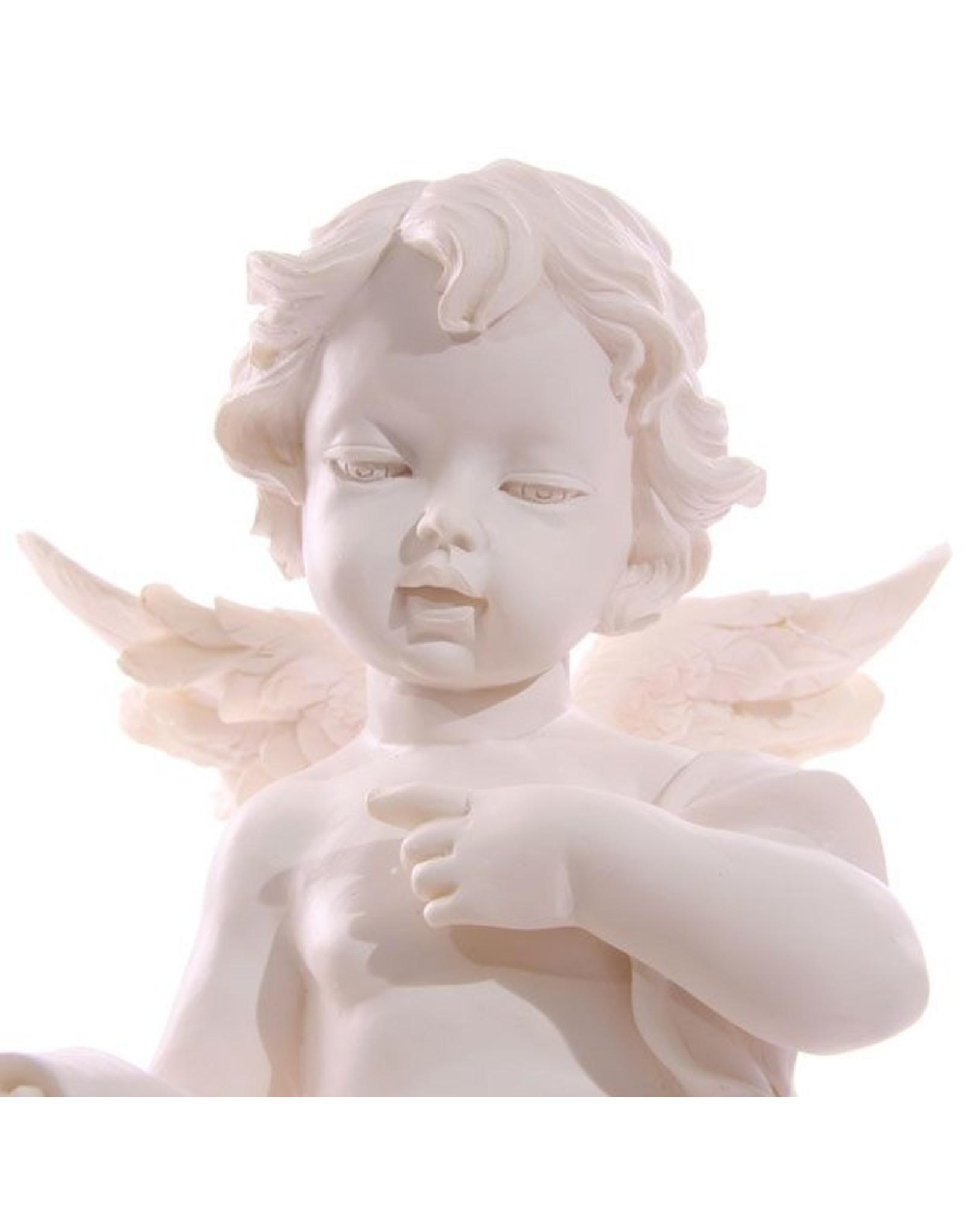 Engel zittend op pilaar