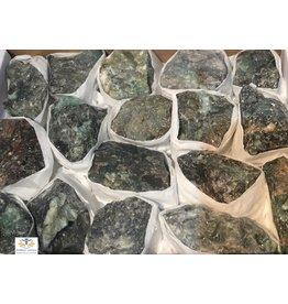 Smaragd ruw edelsteen 2,5 x 3 cm
