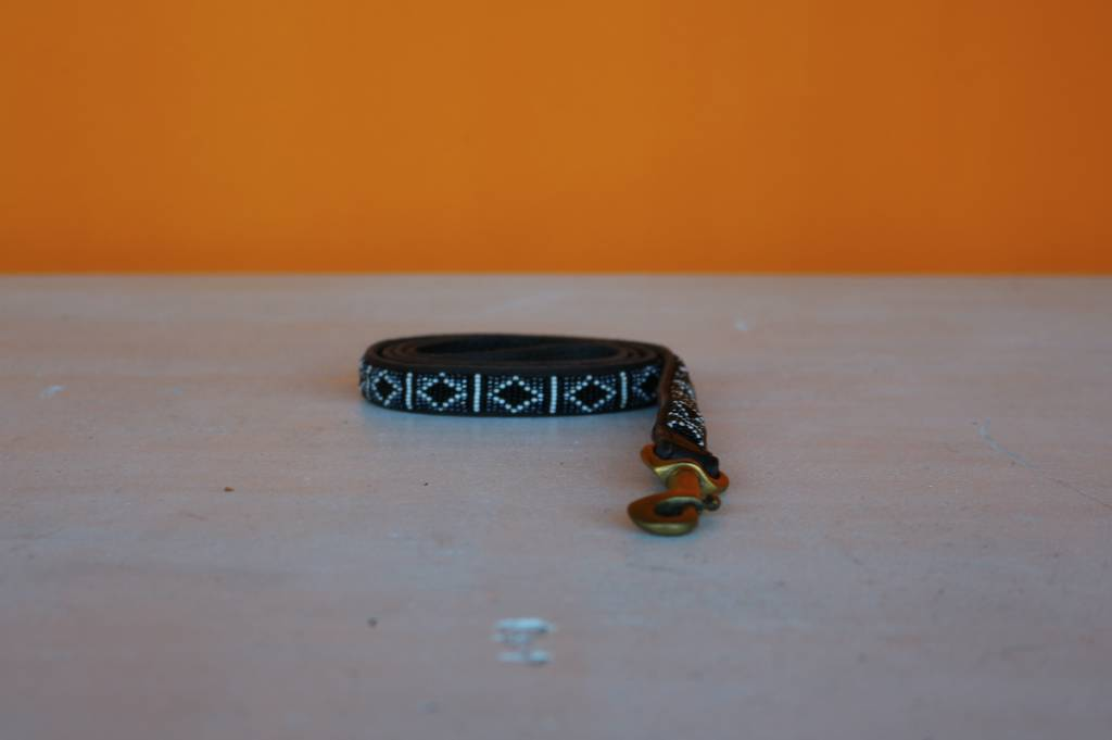 HANDMADE IN KENYA ZIMBABWE LEASH