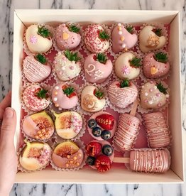 A mixed box of fruits