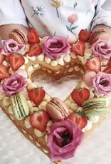 Heart shaped cream tart (3 layers)