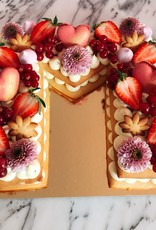 Letter shaped cream tart (2 layers)