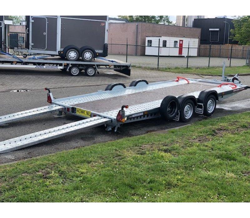 Race trailer huren? Open autotransporter voor verlaagde auto's