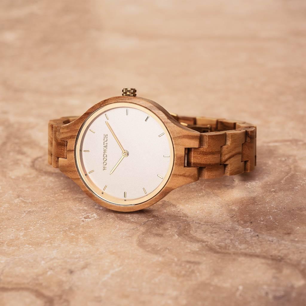 woodwatch vrouwen houten horloge aurora collectie 36 mm diameter nordic sun olijf hout