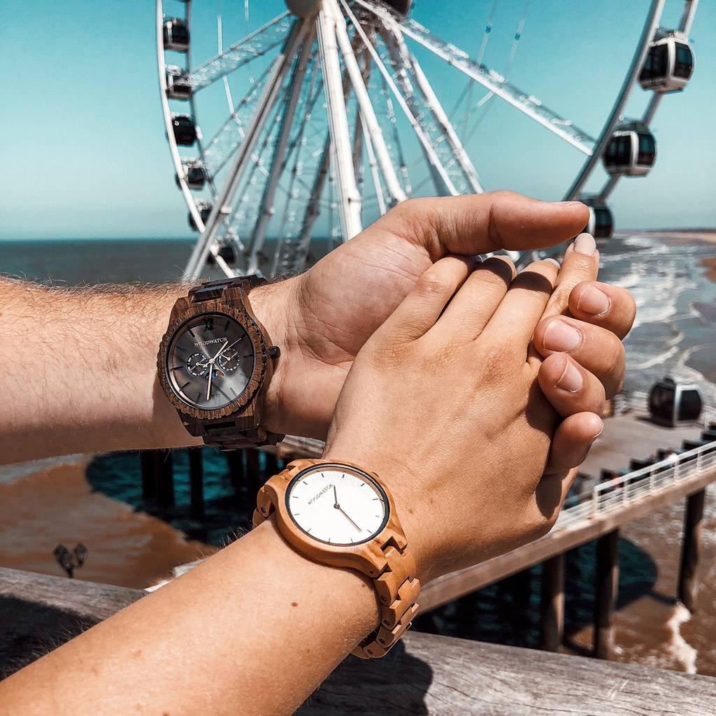 woodwatch uomo orologio di legno grand collezione 47 mm diametro lunar eclipse legno sandalo nero