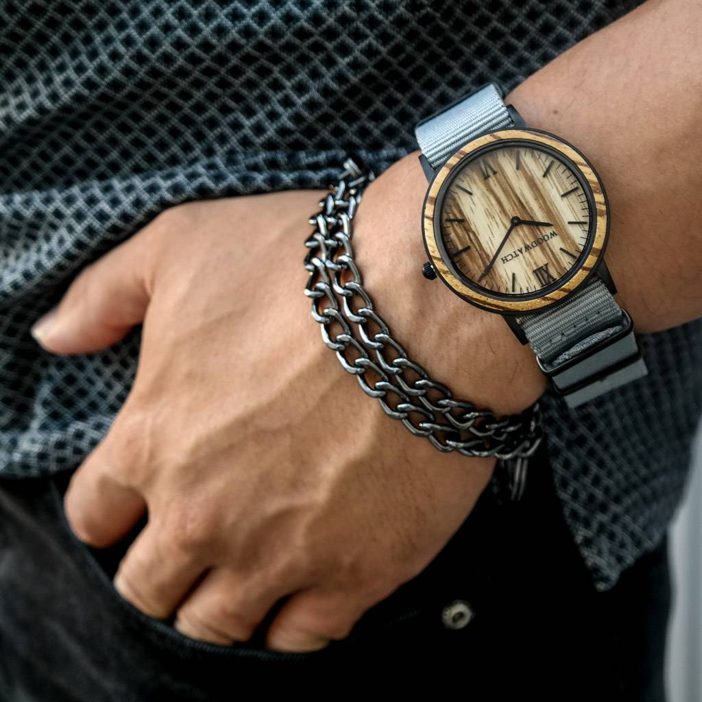 woodwatch homme montre en bois minimal collection 40 mm diamètre striped zebra graphite bois de zingana bracelet en nylon gris