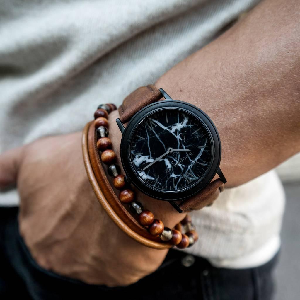 woodwatch hombre reloj de madera minimal colección 40 mm diámetro black marble pecan madera ébano correa cuero marrón