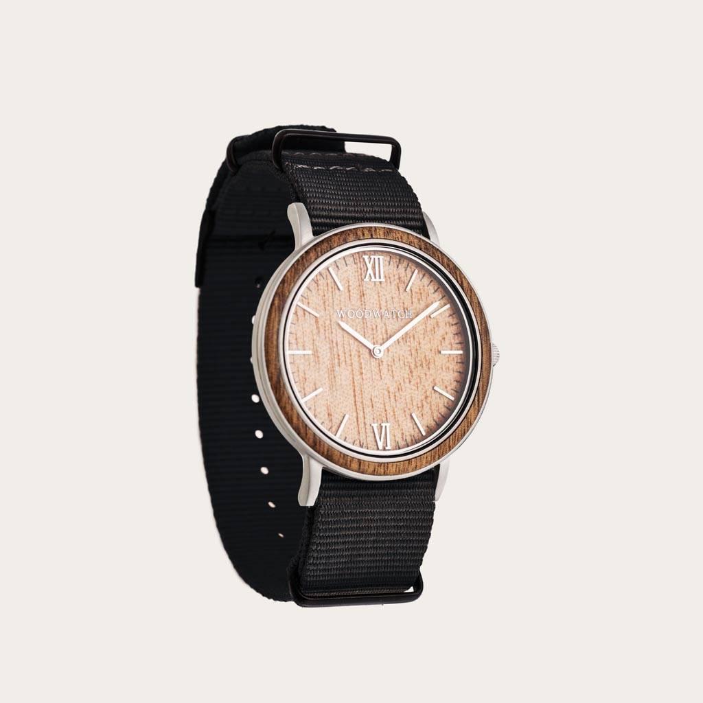 woodwatch mannen houten horloge minimal collectie 40 mm diameter acacia pecan onyx hout zwarte nylon band