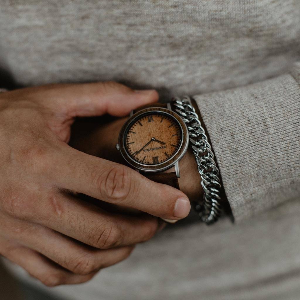 woodwatch mannen houten horloge minimal collectie 40 mm diameter acacia pecan acacia hout bruin leer band