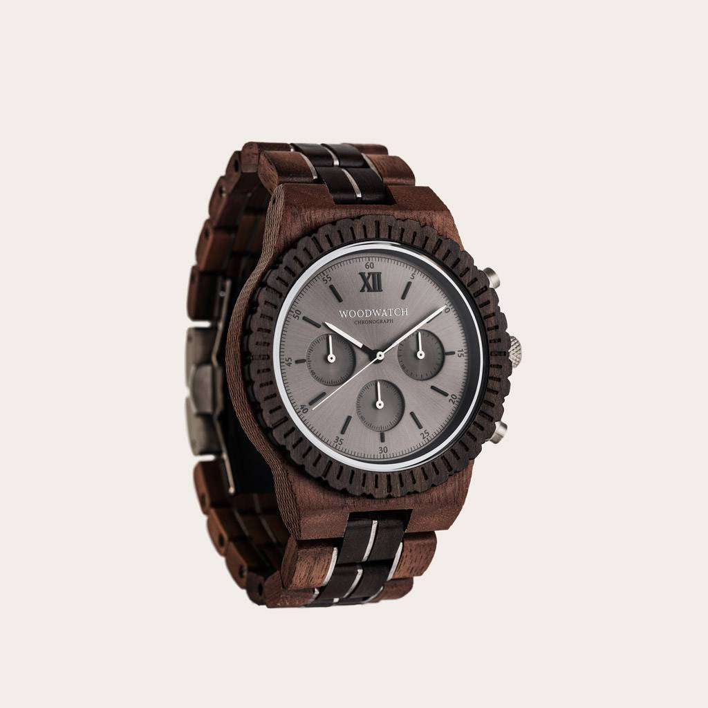 woodwatch homme montre en bois chronograph collection 45 mm diamètre atlas bois de noyer sandale noire
