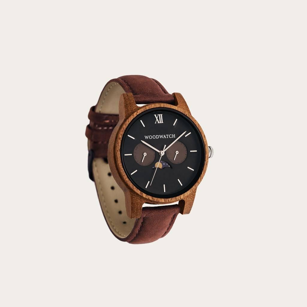Das Pecan-Uhrenarmband ist ein natürlich hellbraun gefärbtes Echtlederband mit Metallveschluss.Das 18mm große Pecan-Uhrenarmband passt in die CLASSIC Kollektion.