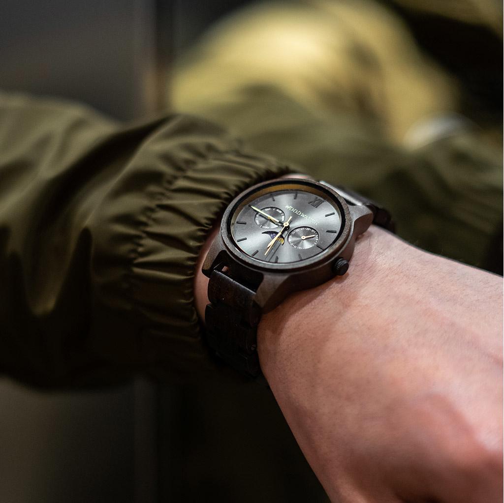 woodwatch mann hölzern uhr classic kollektion 40 mm durchmesser argo schwarzes sandelholz