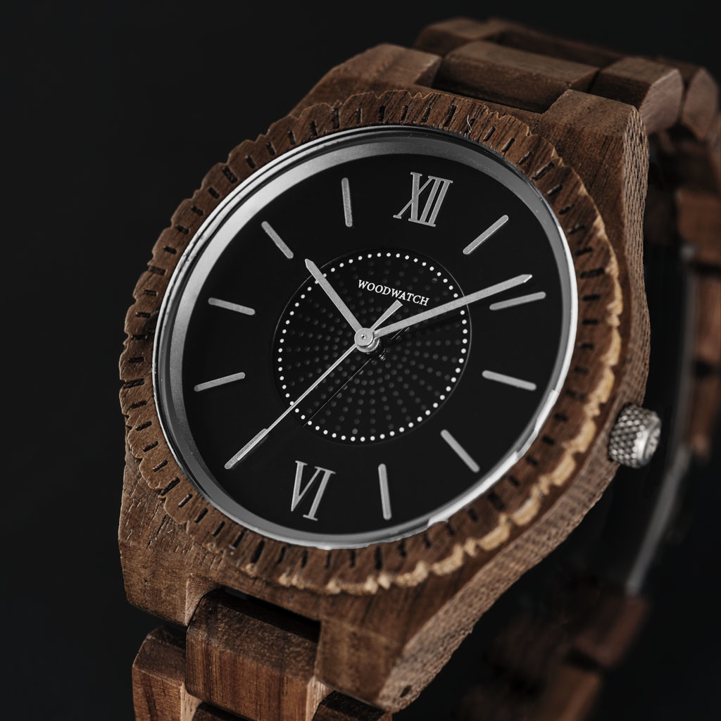 The ultimate sustainable watch. Our SOLAR watches contain a solar cell to convert any type of light into electricity, meaning you don't ever have to replace a battery or think about charging your watch.The GRAND SOLAR Protostar is made of North American