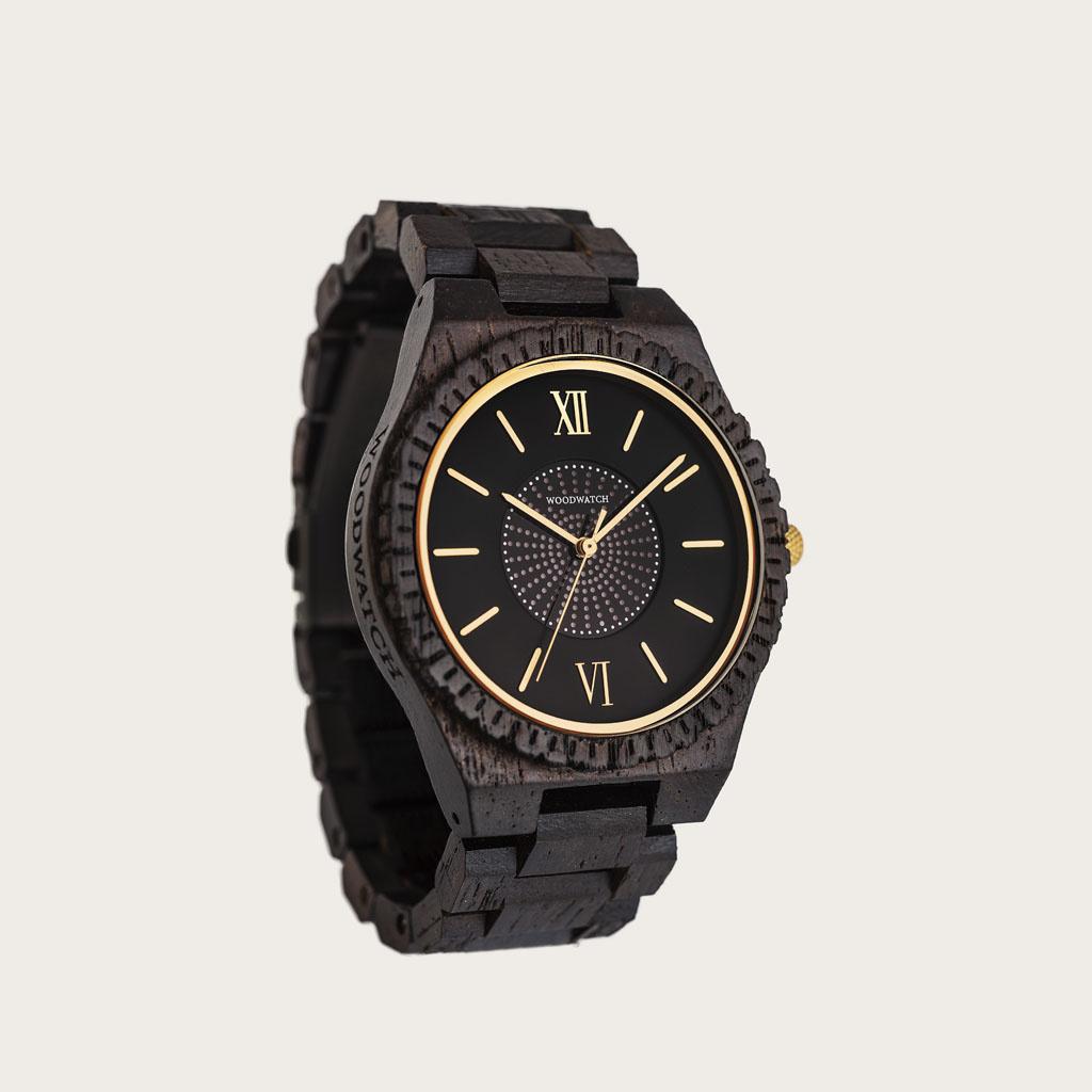 El reloj sostenible definitivo. Nuestros relojes SOLAR incluyen una célula solar que convierte en electricidad cualquier tipo de luz, lo que significa que nunca vas a tener que cambiar la pila de tu reloj o preocuparte por ponerlo a cargar. El GRAND SOLAR