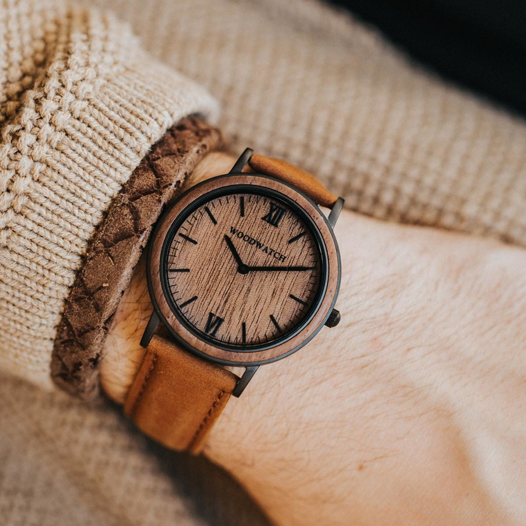 woodwatch homme montre en bois minimal collection 40 mm diamètre brown walnut pecan bois  noyer bracelet cuir marron