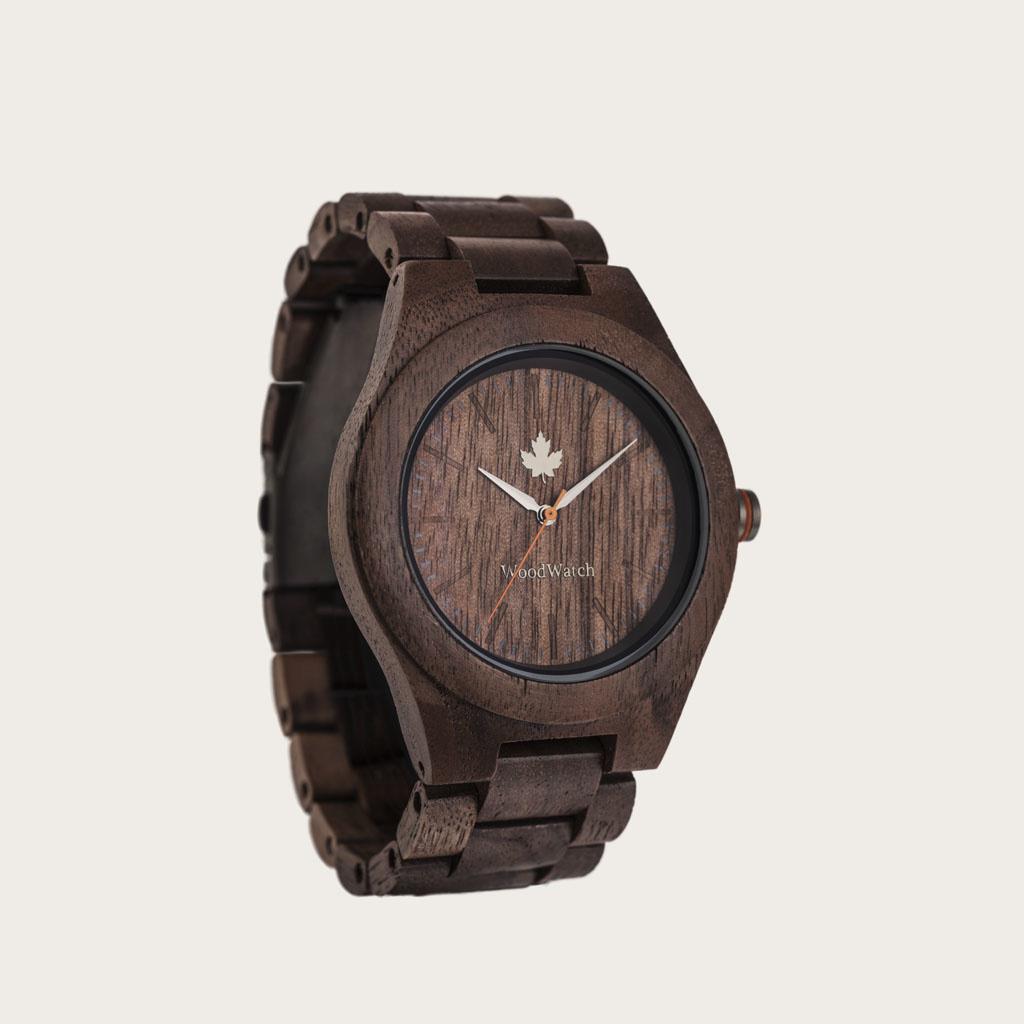 Die CORE Kollektion hat ihren Namen von der besten Holzqualität des Baumes. Das sportliche Design ist perfekt für Holzenthusiasten und Abenteurer. Verschiedene Holzarten in zwei verschiedenen Durchmessern sind für Damen und Herren gleichermaßen geeignet.