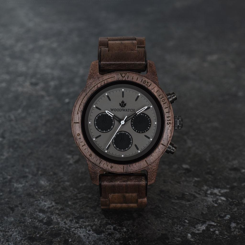 woodwatch mann hölzern uhr chronus kollektion 42 mm durchmesser axinite black walnuss holz