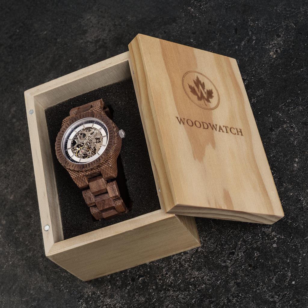 woodwatch mann hölzern uhr automatic kollektion 42 mm durchmesser marine explorer walnuss holz