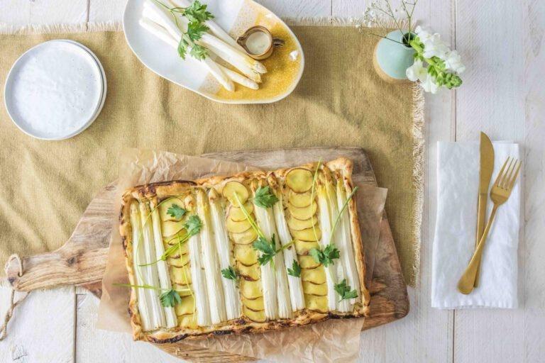 Plaattaart met witte asperges en aardappel en Hubert Beck Pinot Bla