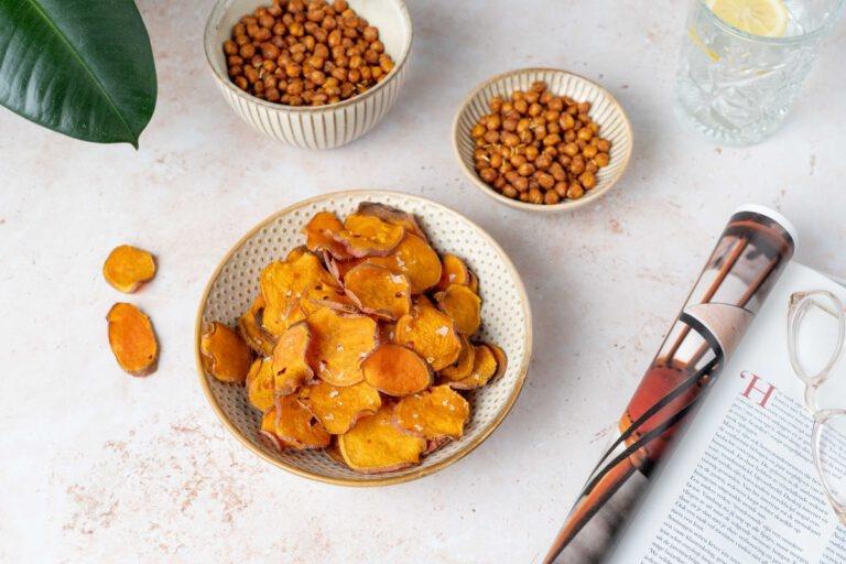 Zoete aardappelchips en geroosterde kikkererwten met Hubert Beck Pinot Blanc