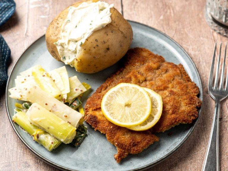 https://eatertainment.nl/kalfsschnitzel-met-gepofte-aardappel-en-prei/?utm_source=vanouds_de_zwaan&utm_medium=referral&utm_campaign=wijntip_week27