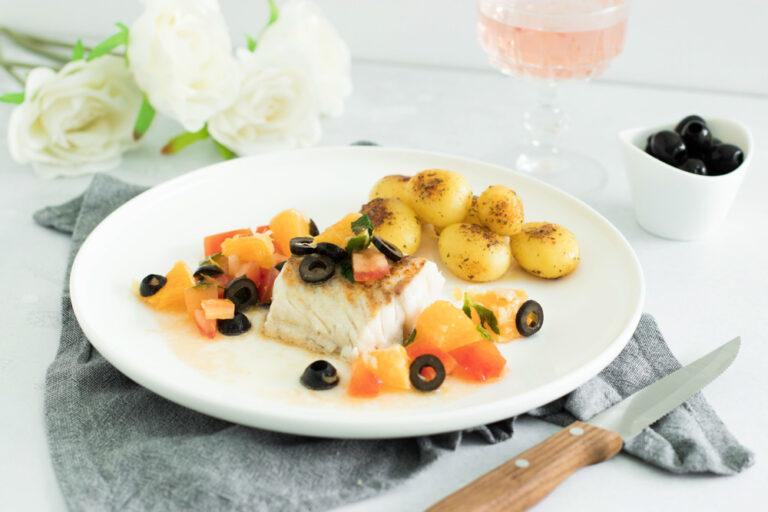 Kabeljauw met salsa van sinaasappel, tomaat en olijven en met Domaine de la Baume Viognier Elisabeth