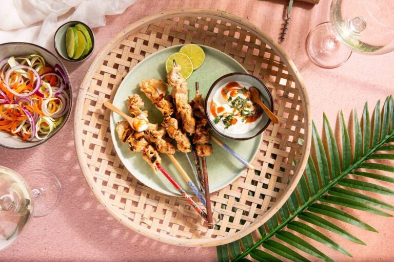 Kipsaté in romige tandoori marinade en met Paul Mas Sauvignon Blanc / Viognier