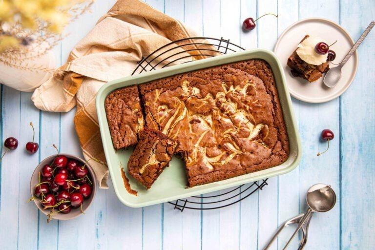 BBQ brownie met kersen en witte chocolade en met Barros Ruby Port