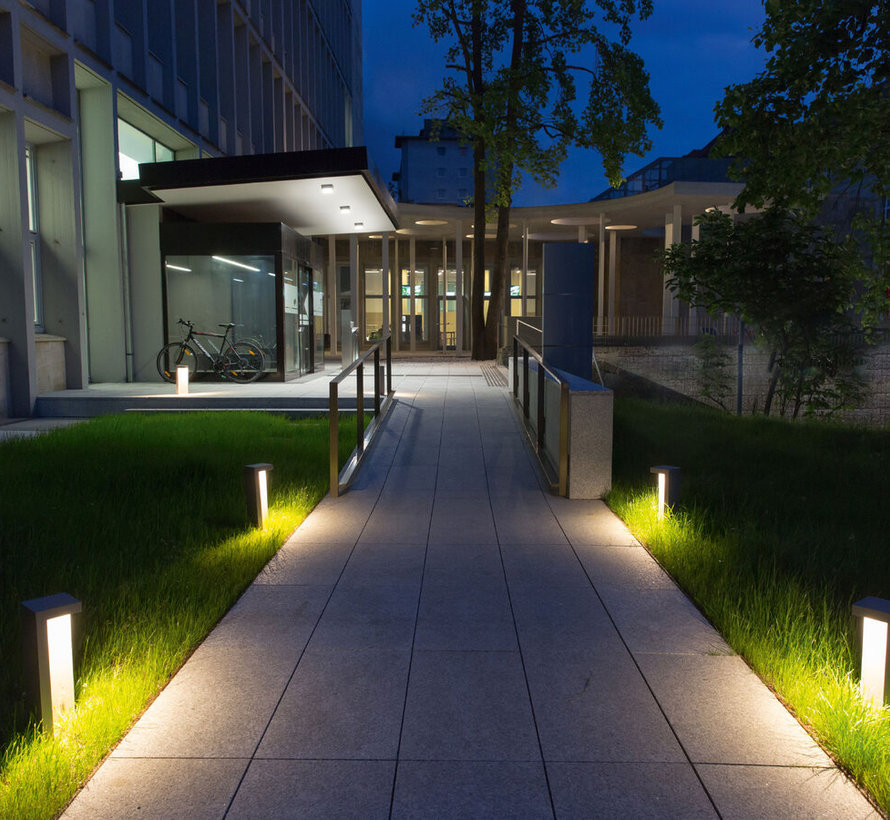 Edge outdoor floor surface in 20-40-60 or 80cm
