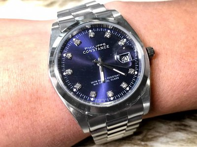 Stalen Philippe Constance Horloge Philippe Constance Dameshorloge - 4715 Large - Staal - Zilver - Indigo Blauw - Strass - Datumaanduiding
