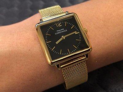 """Stalen Philippe Constance Horloge Philippe Constance Dameshorloge """"Square"""" Medium - Staal - Goudkleurige Mesh Band - Zwarte Wijzerplaat - 3990"""