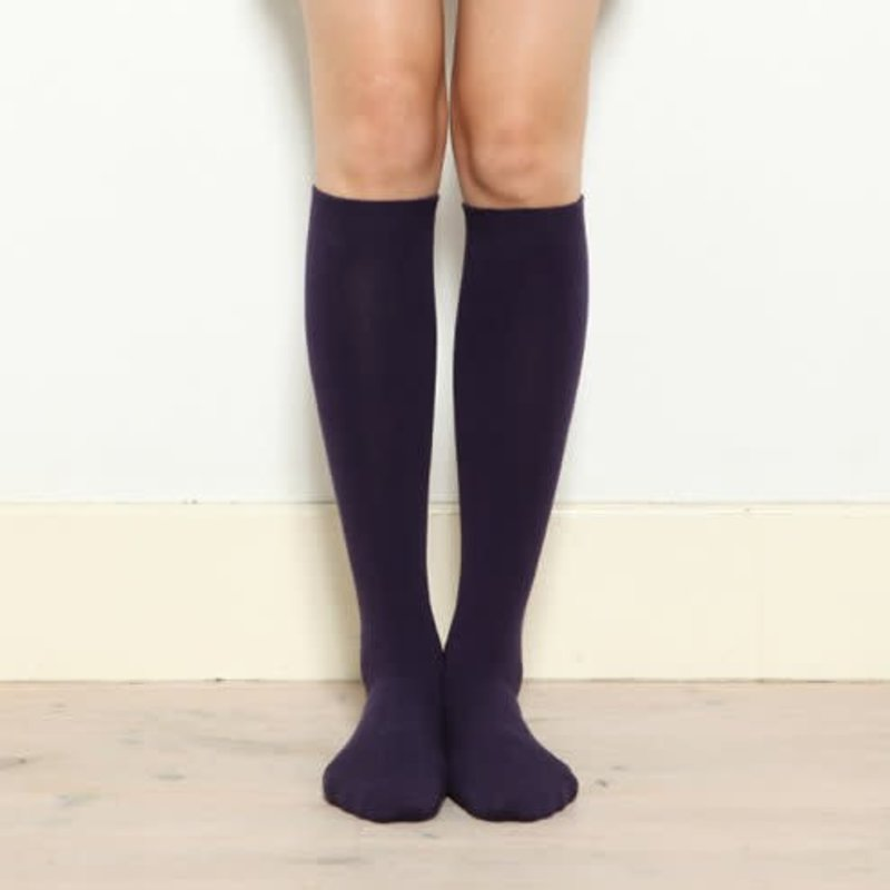 Einfache hohe Socke mit mittlerer Stärke