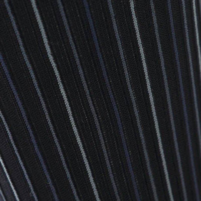 Ungeschnittener vertikaler Streifen in der Mitte der Socke M