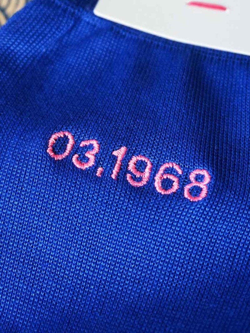 Embroidery 6 [1 ligne]