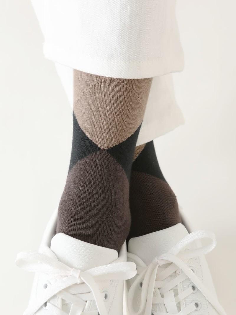 Back Coloured Diamond Mid Calf Socks M