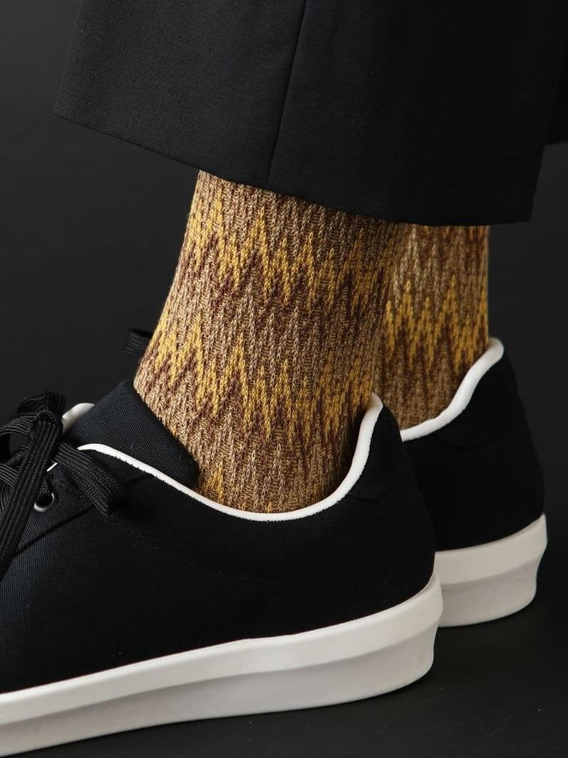 Halfhoge sokken van gekleurd golvend jacquard M