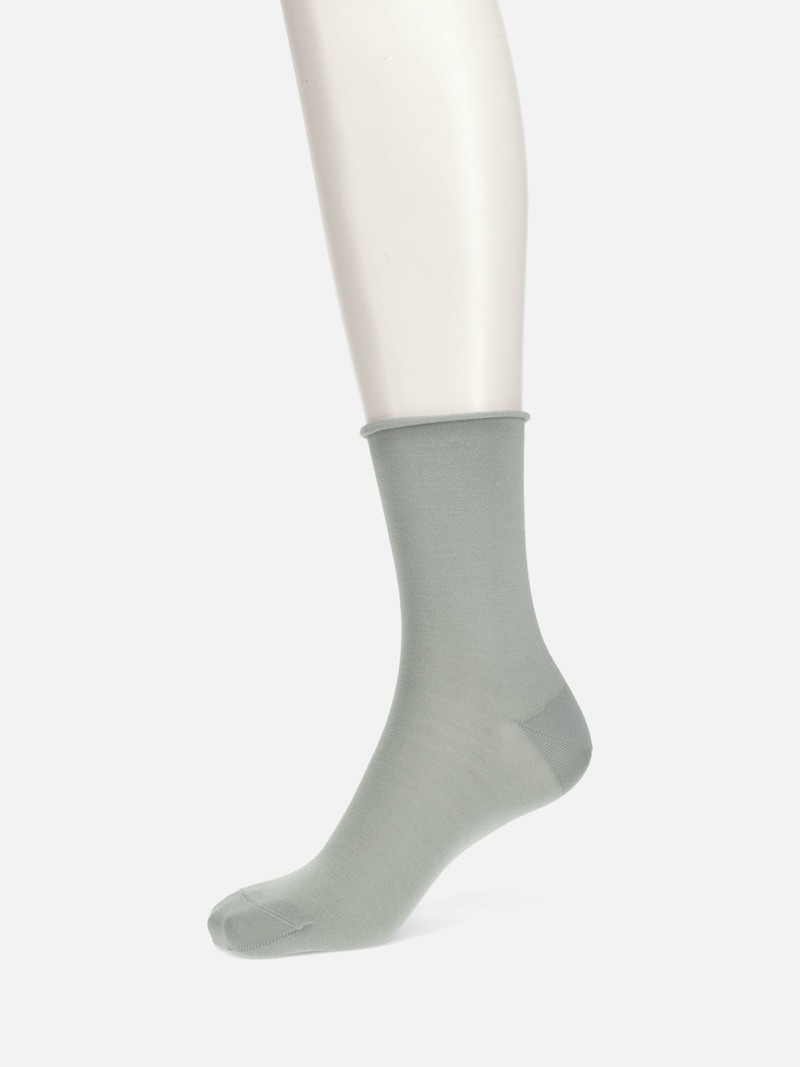 Schlichte Socke aus hochwertigem Seidenrand