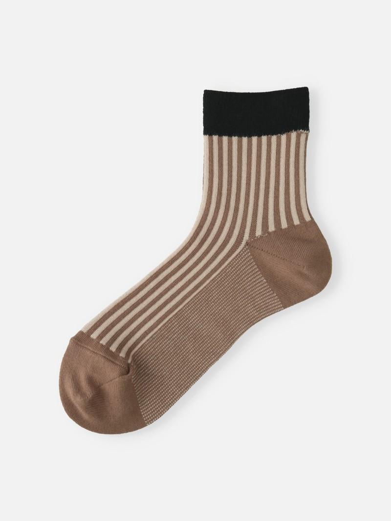 Vertikal gestreifte Jacquard-Socke