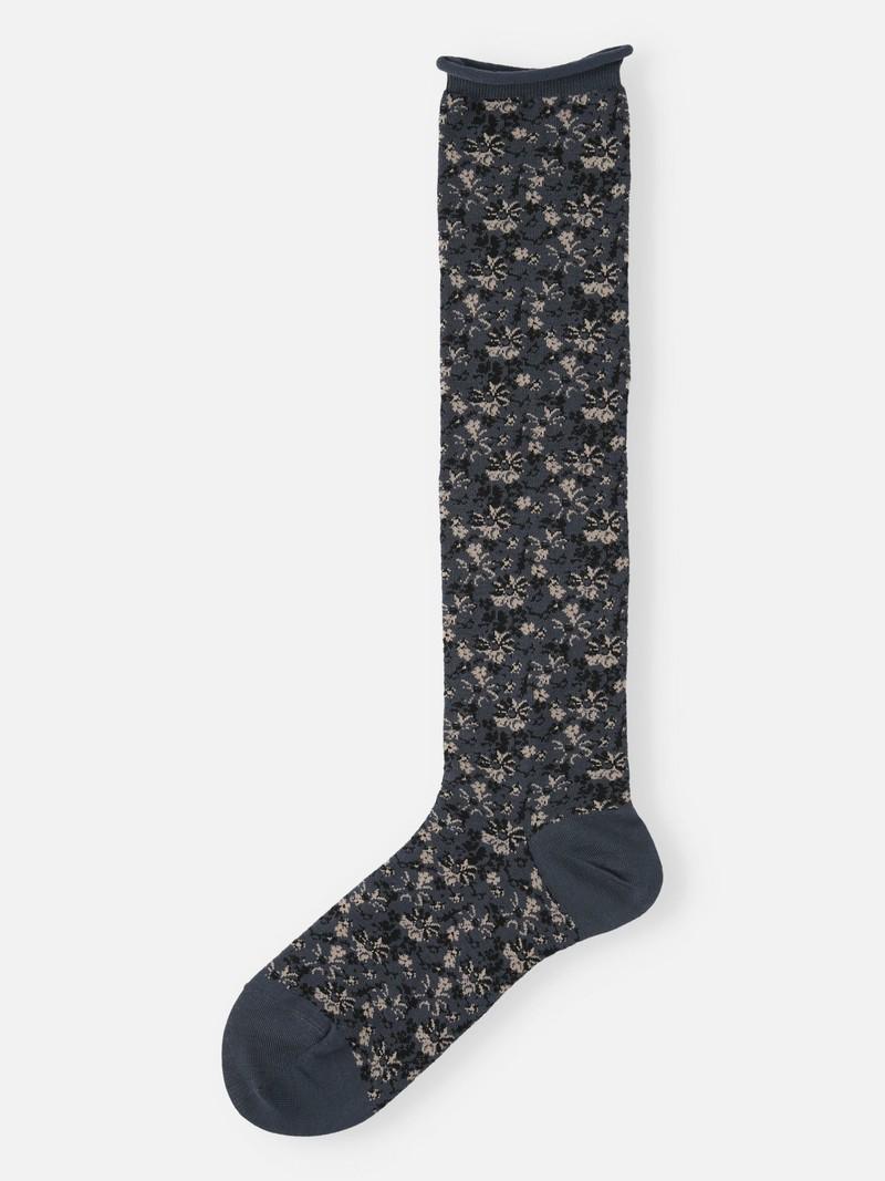 Sfumatura floreale a calza alta