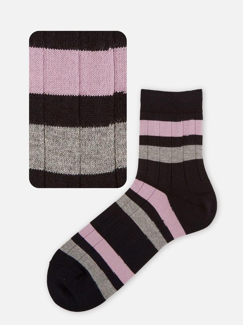 Geribbelde sok met brede gekleurde strepen M