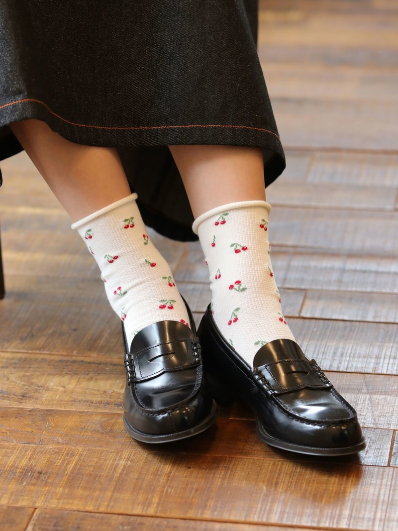 Waffle Cherry Roll-Top Low Crew Socks