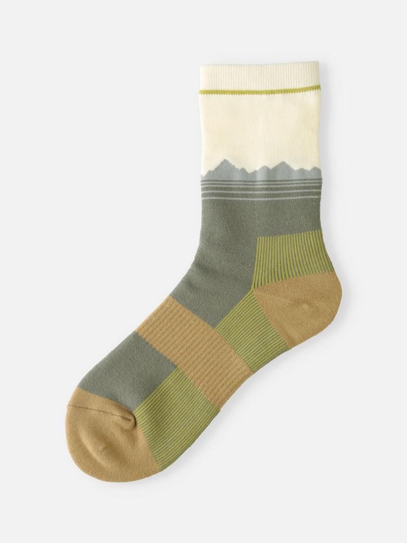 Mountain Silhouette Pile Crew Socks