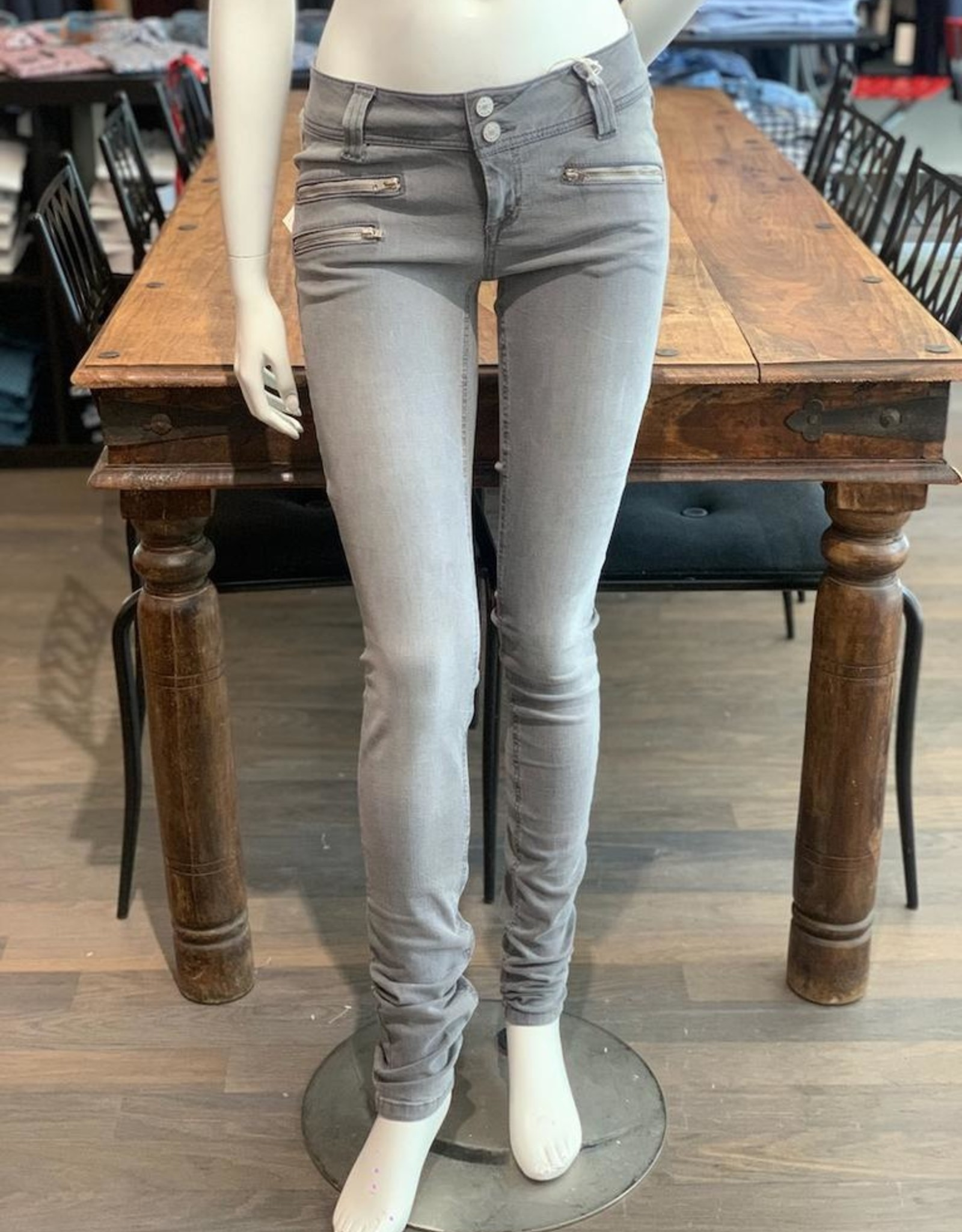 Richy Richy D-Jeans Suzy superskinny Schrittl. 38inches niedrige Leibhöhe