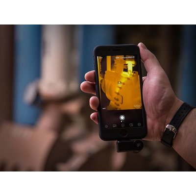 SEEK Compact PRO Android met USB-C aansluiting 320x240 pixels  voor onder je smartphone