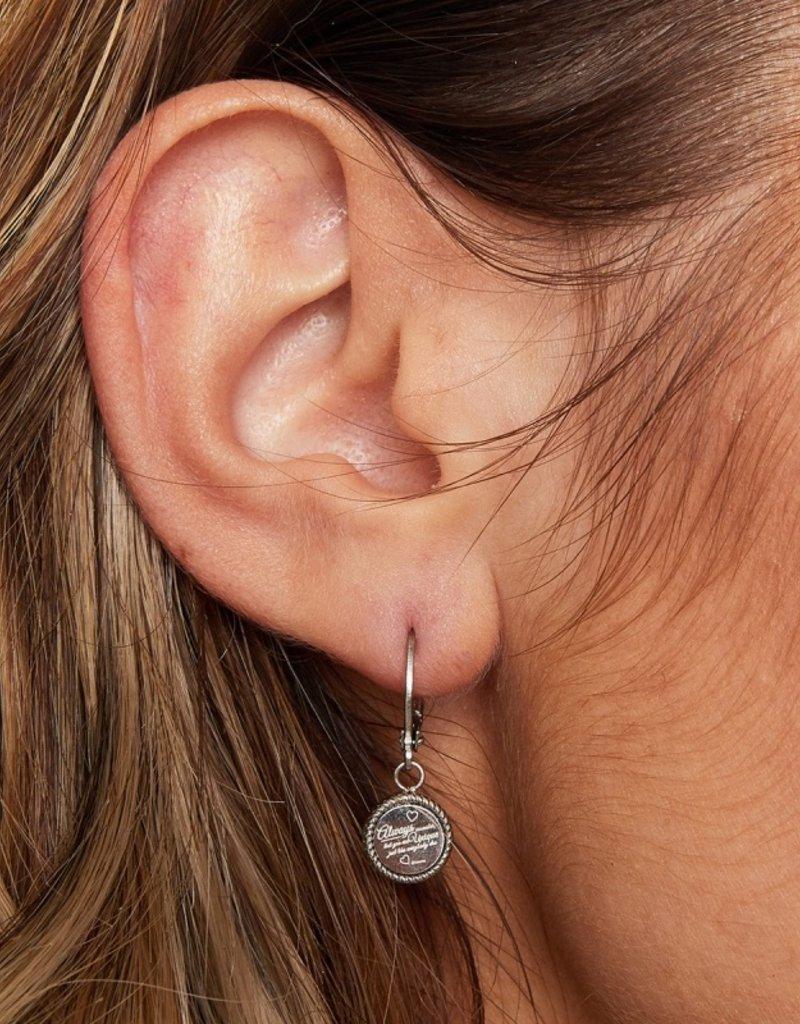 Cute quote earrings MEERDERE KLEUREN