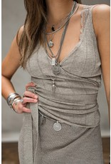 Moost Wanted Luna wrap top tender taupe